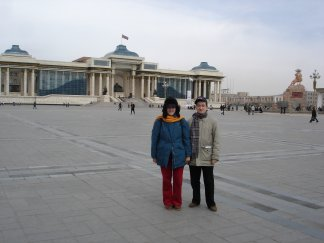 Claudia K2LEO and Andrea IK1PMR in the main square of Ulaan Baatar